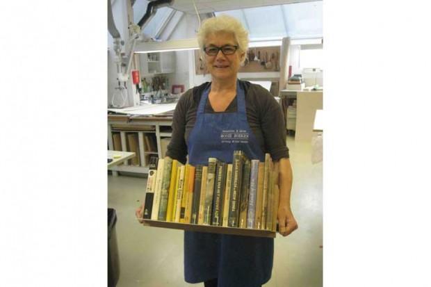 Boekenschep: een halve meter boek uit uw boekenkast 'scheppen' zonder risico!